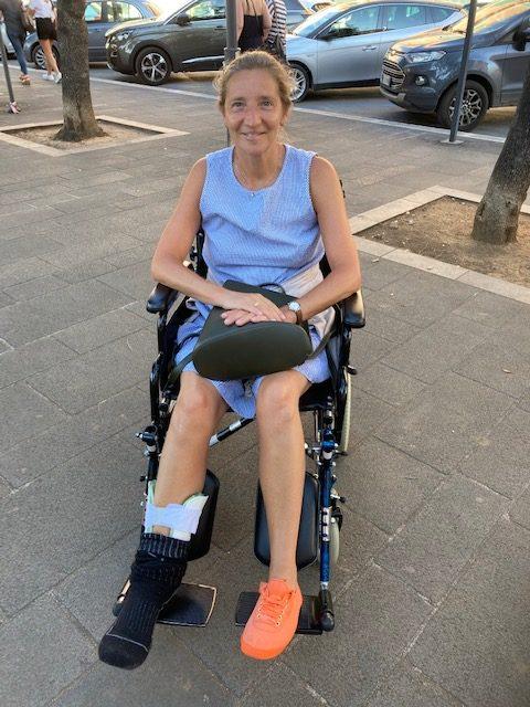 Handicapée pour quelques semaines.